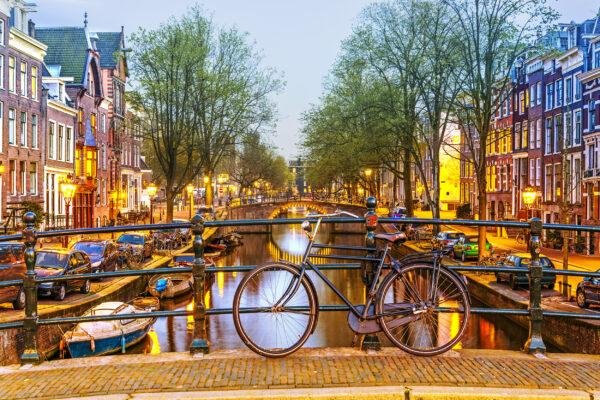 Niederlande Amsterdam Fahrrad Nacht