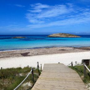 7 Tage auf der Balearen-Insel Formentera im TOP 3* Hotel mit Frühstück, Flug, Transfer & Zug nur 458€