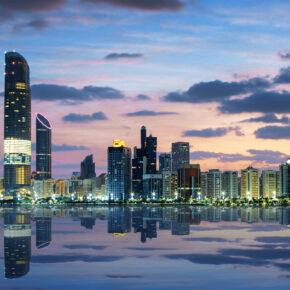 Luxus Familienurlaub: 7 Tage in Abu Dhabi im guten 5* Hotel mit Frühstück, Flug, Transfer & Zug nur 329€