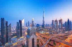 Dubai-Traum: 7 Tage im 4* Hotel mit Frühstück, Flug, Hoteltransfer & Zug für nur 425€