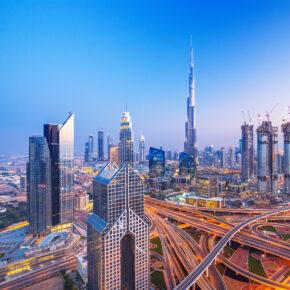 Traum-Urlaub Dubai: 7 Tage Luxus im TOP 5* Hotel inkl. Frühstück, Flug, Transfer & Zug um 515€