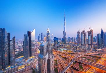 Dubai-Traum: 7 Tage im 4* Hotel mit Halbpension, Flug, Transfer & Zug für nur 626€