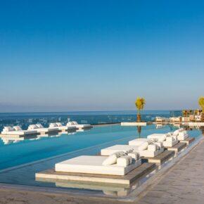 Abaton Island Resort Terrasse