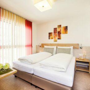Wellness in Österreich: 3 Tage im TOP 4* Hotel mit Halbpension & Extras ab 99€