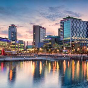 Kurztrip am Wochenende: 3 Tage Manchester mit zentralem TOP 4* Hotel & Flug nur 129€