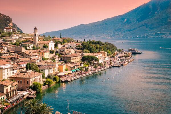 Italien Gardasee Limone Dämmerung