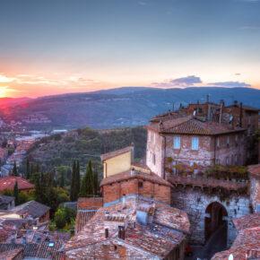 Langes Wochenende in Perugia: 4 Tage inkl. Flug & TOP Unterkunft mit Frühstück nur 105€