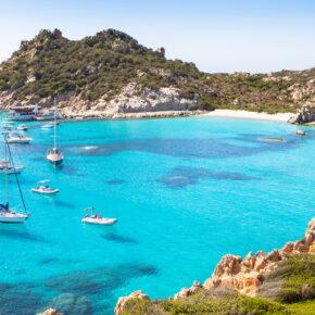 Sardinien: 8 Tage im 4* Hotel mit All Inclusive, Flug & Zug nur 345€