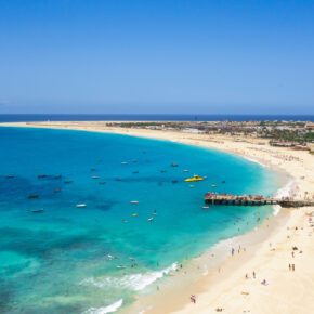 Lastminute: 8 Tage Kap Verde mit 3* Hotel am Strand, Flug & Transfer nur 224€
