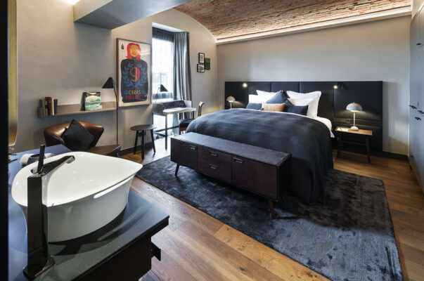 Liberty Hotel offenes Zimmer
