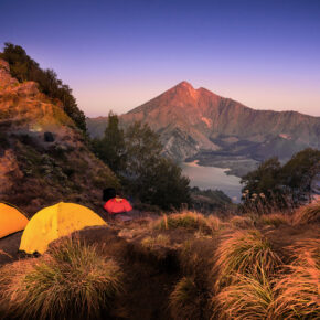 Backpacking Indonesien: 1 Monat Inselhopping Java, Bali & Lombok mit Hotels & Flug nur 546€