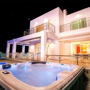 Luxus in Griechenland: 7 Tage im privater Meerblick-Villa auf Rhodos mit Infinity-Pool & Whirlpool nur 210€