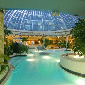 Therme Hofheim am Main am Wochenende: 3 Tage Frankfurt mit 4.5* Hotel, Frühstück & Dinner ab 114€