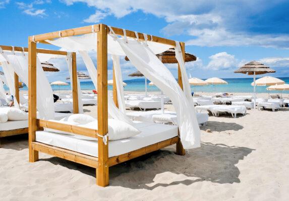 Spanien Ibiza Strandbett