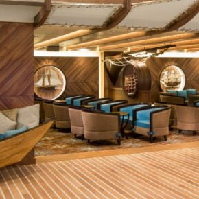 Symphony of the Seas Lounge