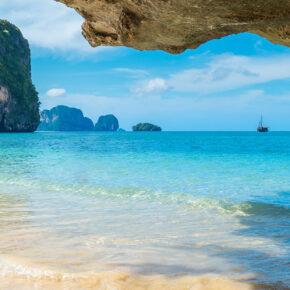Thailand: 12 Tage auf Koh Phi Phi mit gutem Hotel & Flug für 568€