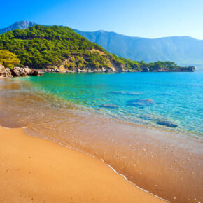 Türkei: 7 Tage in Antalya im 4* Hotel mit All Inclusive, Flug, Transfer & Zug nur 334€