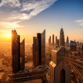 Dubai: 7 Tage im TOP 4* Hotel inkl. Frühstück, Flug, Transfer & Zug für 389€