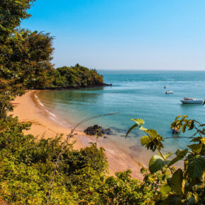 Strandparadies: 15 Tage Gambia im TOP 3* Strandhotel mit Frühstück, Flug, Transfer & Zug nur 393€