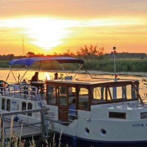Mecklenburgische Seenplatte: 4 Tage unterwegs auf eigenem Hausboot für 199€