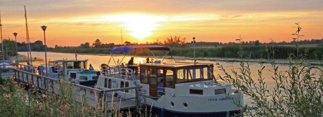 Hausboot Rechlin Abend