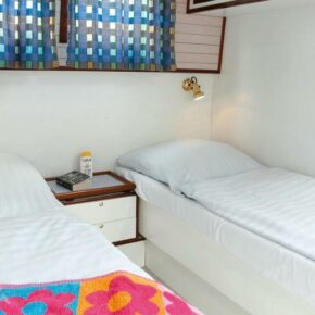 Hausboot Rechlin Bett