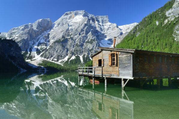 Italien Südtirol Braies See Haus