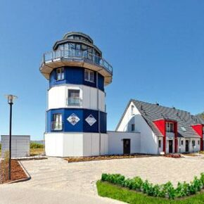 Ostsee: 4 Tage auf Rügen im Leuchtturm-Ferienhaus mit Sauna für 100€