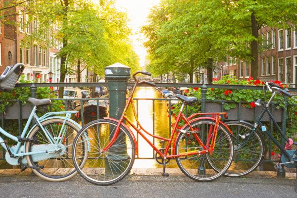 Niederlande Amsterdam Fahrräder Brücke