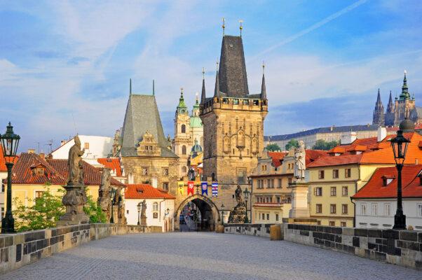 Tschechien Prag Karlsbrücke Tageslicht
