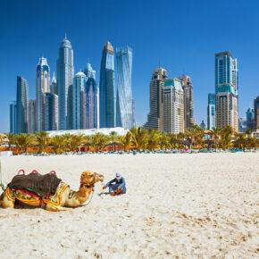 Lastminute Familienurlaub: 7 Tage Dubai im 4* Hotel mit Frühstück, Flug, Transfer & Zug nur 261€