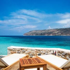Griechenland im Sommer: 8 Tage Peloponnes im Apartment am Strand & Flug für 166€