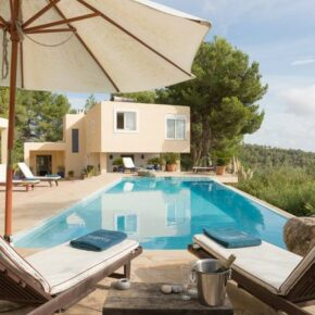 Luxus in Spanien: 7 Tage in Ferienvilla auf Ibiza nur 317€