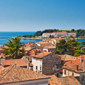 Inselurlaub in Istrien: 6 Tage im 4* Resort in Porec nahe Strand & Altstadt inkl. Flug ab 92€