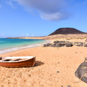 Ab nach Lanzarote: 7 Tage im TOP 4.5* Hotel mit All Inclusive, Flug, Transfer & Zug nur 419€