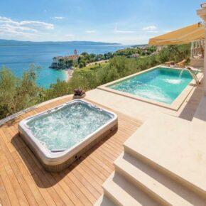 Luxus-Urlaub Kroatien: 8 Tage in eigener Villa mit Pool, Hot Tub & Wellnessbereich für 1.447€