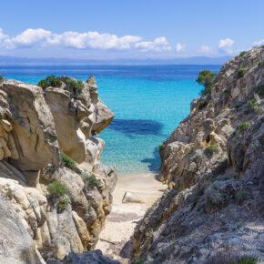Entspannen in Griechenland: 8 Tage Chalkidiki mit tollem Apartment am Meer & Flug nur 86€