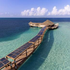 Luxus pur: 13 Tage Malediven in TOP 5* Romantic Ocean Villa mit Halbpension, Flug & Transfer
