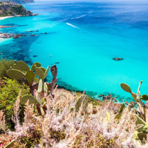 Italien: 7 Tage Kalabrien im TOP 4* AWARD-Strandhotel mit All Inclusive, Flug & Transfer nur 429€