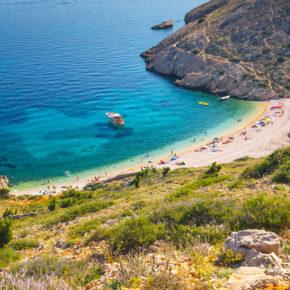 Kroatien: 8 Tage auf Krk inkl. Unterkunft, Flug & Mietwagen für 95€