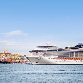 Special: 8 Tage Guadeloupe plus 15 Tage Transatlantik-Kreuzfahrt nach Hamburg mit VP & Flug für 602€