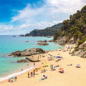 Costa Blanca: 8 Tage Spanien im Apartment direkt am Strand mit Meerblick, Pool & Flug nur 87€
