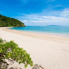 Thailand: 14 Tage Koh Lanta mit tollem Bungalow & Flug nur 345€