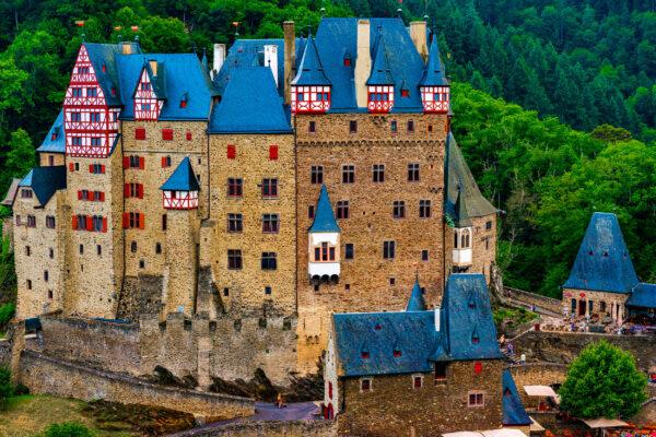 Wierschem Burg Eltz Seite