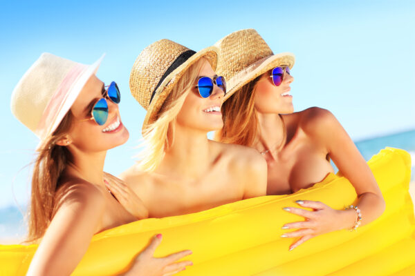 Frauen FKK Strand