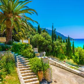 All Inclusive auf Korfu: 7 Tage im TOP 5* Hotel direkt am Strand mit Flug, Transfer & Zug nur 296€
