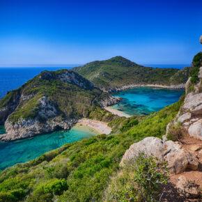 Lastminute nach Griechenland: 7 Tage Korfu mit eigenem Studio, Flug & Zug nur 89€