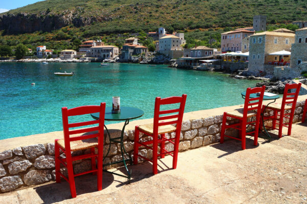 Griechenland Peloponnes Stühle