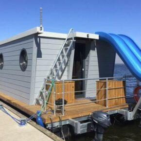 Sommer in Polen: 8 Tage im eigenen Hausboot mit Rooftop-Wasserrutsche für 192€