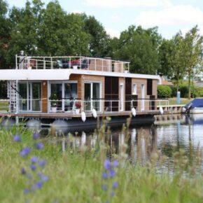 Wochenende auf dem Hausboot: 4 Tage mit Dachterrasse & Seeblick nur 97€
